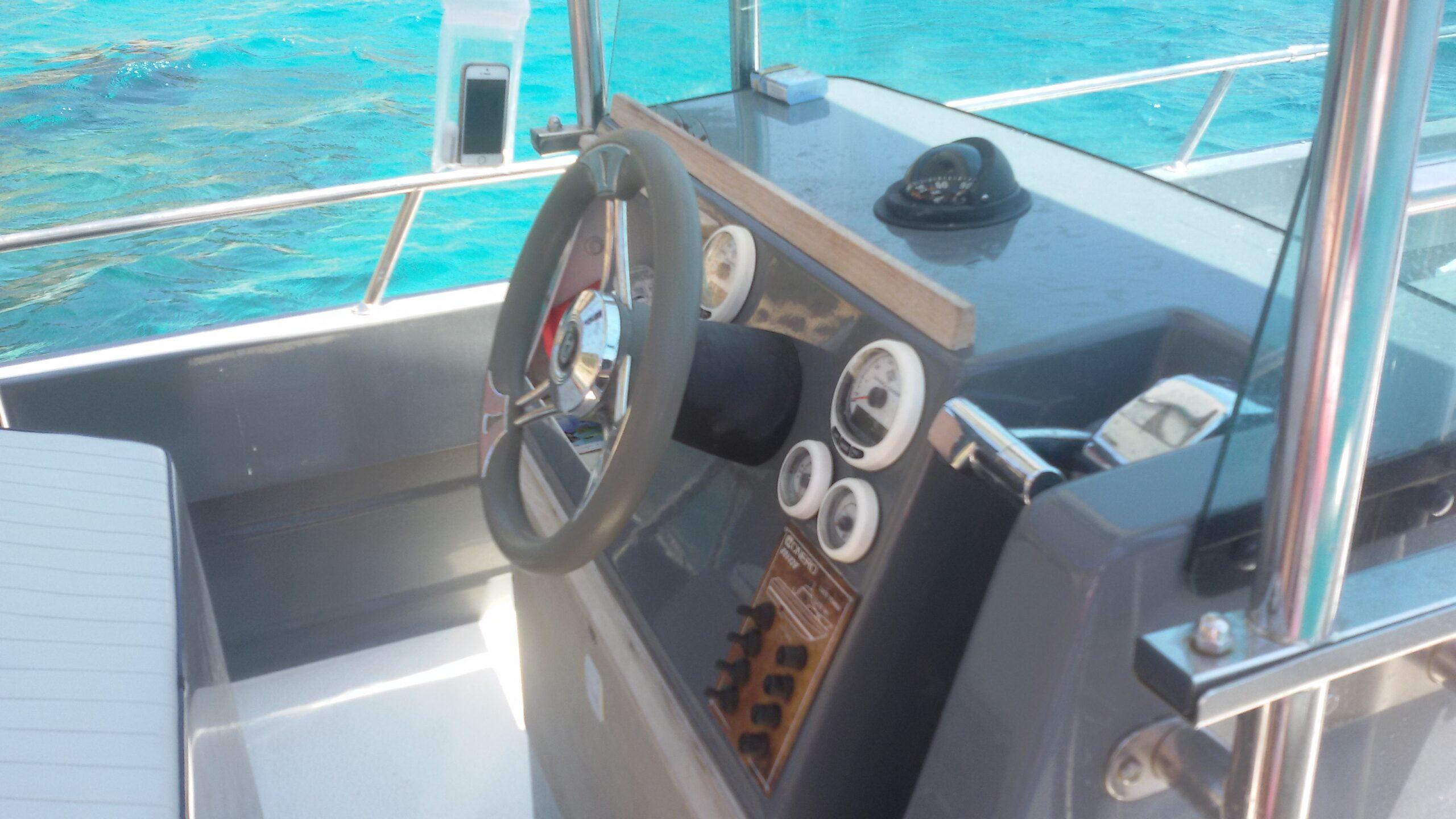 Noleggio barca a motore Cagliari (3)