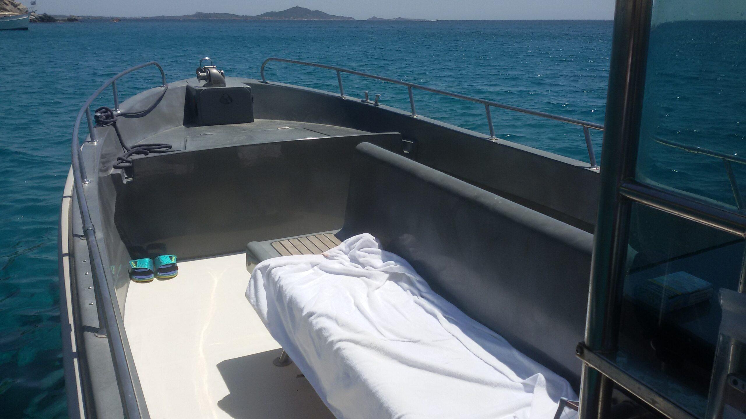 Noleggio barca a motore Cagliari (2)